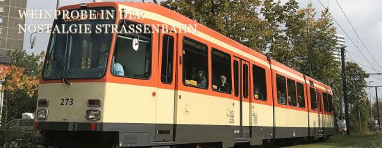 Weinprobe in der Nostalgie-Straßenbahn